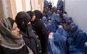 Many Afghan women are illiterate. Photo: EPA/NAQEEB AHMED